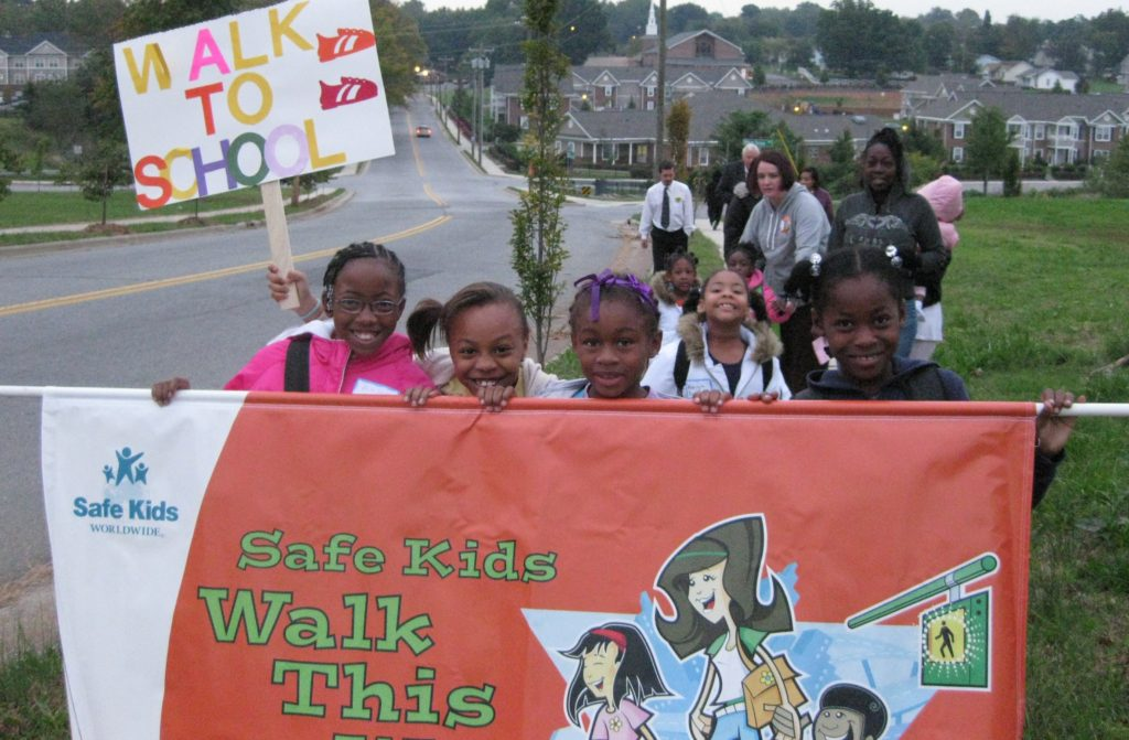 2008 walk--K-P students with banner (2)